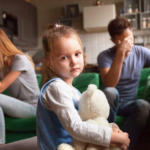 Kako se z razvezo soočajo otroci
